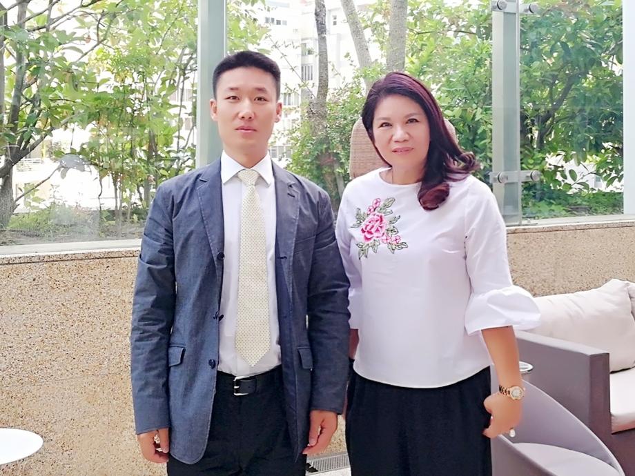 见证成果_香港紫荆网高层在里斯本会晤葡新报社长