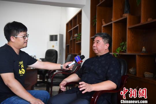 """闽东新老侨商""""回流"""":报效桑梓_热心助学"""