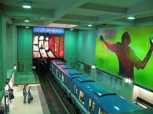 重庆时时彩开户:世界上最美的11个地铁站,意大利那不勒斯_Toledo_站入选