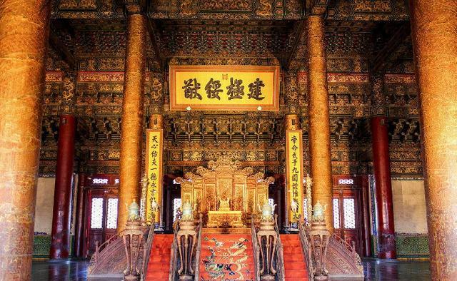发财中国年丨揭秘历史上清朝皇帝怎么过春节?年夜饭吃什么