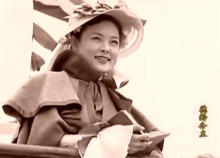 电视剧《德龄公主》剧照 作为慈禧的红人, 德龄招致宫眷们的妒忌.