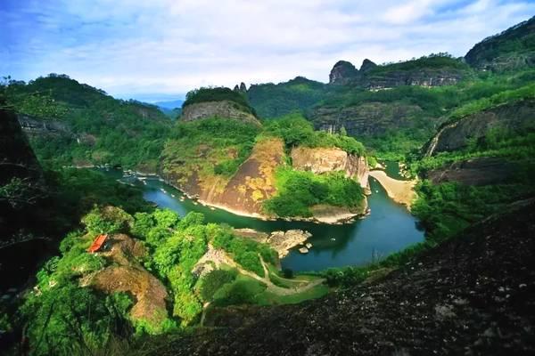 2个5a级景区,3个国家级风景名胜区和7个省级风景名胜区.