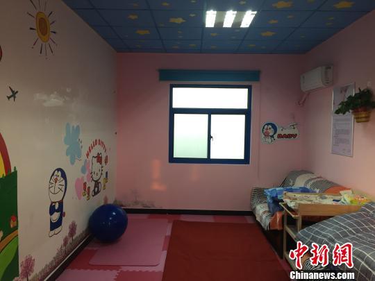 郑州公交场站母婴室布置得十分温馨。 郑州公交四公司供图 摄