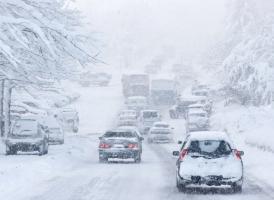 下雪天开车如何避免打滑,以及突然打滑了怎么办? <