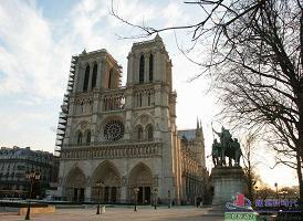 巴黎圣母院<